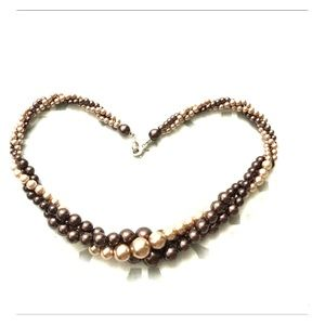 Pale pink/brown pearl necklace